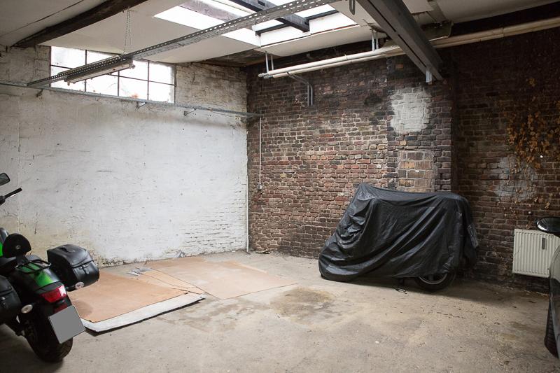 zu verkaufen garagen atelier und gew chshaus auf gro en grundst ck. Black Bedroom Furniture Sets. Home Design Ideas